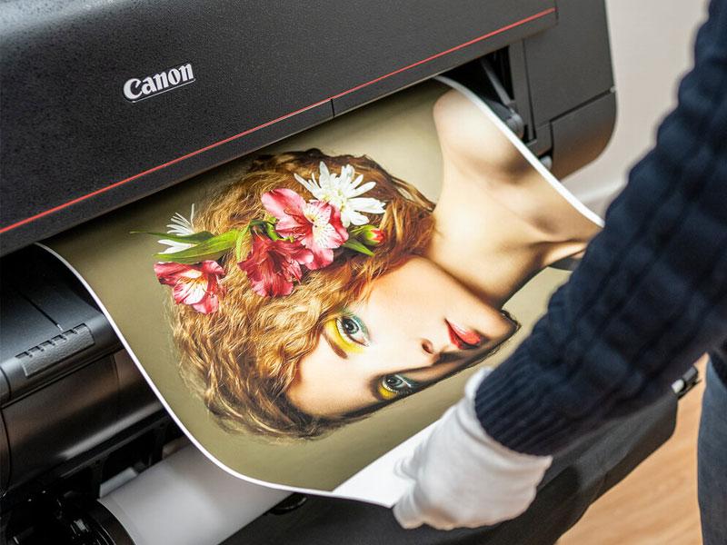 Печать портретов на холсте в Рафаэль студии